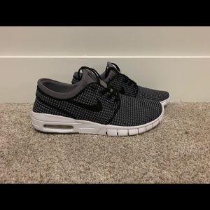 """Nike Stefan Janoski Max """"Gunsmoke"""" Boys Size 6"""